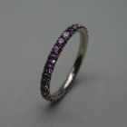 Nr. 101, 750/000 Weißgold, 28 Safire (purple) (2 mm, 1,16 ct), red. Fishtail